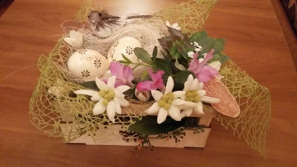 Florystyka ,Stroik Wielkanocny - skrzyneczka